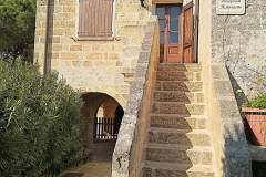 Antica scala di ingresso restaurata